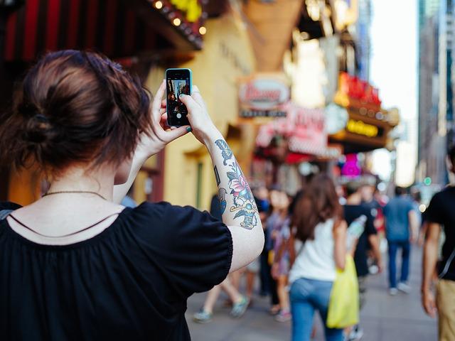 Mobile Journalism: quante volte abbiamo fatto questo gesto?