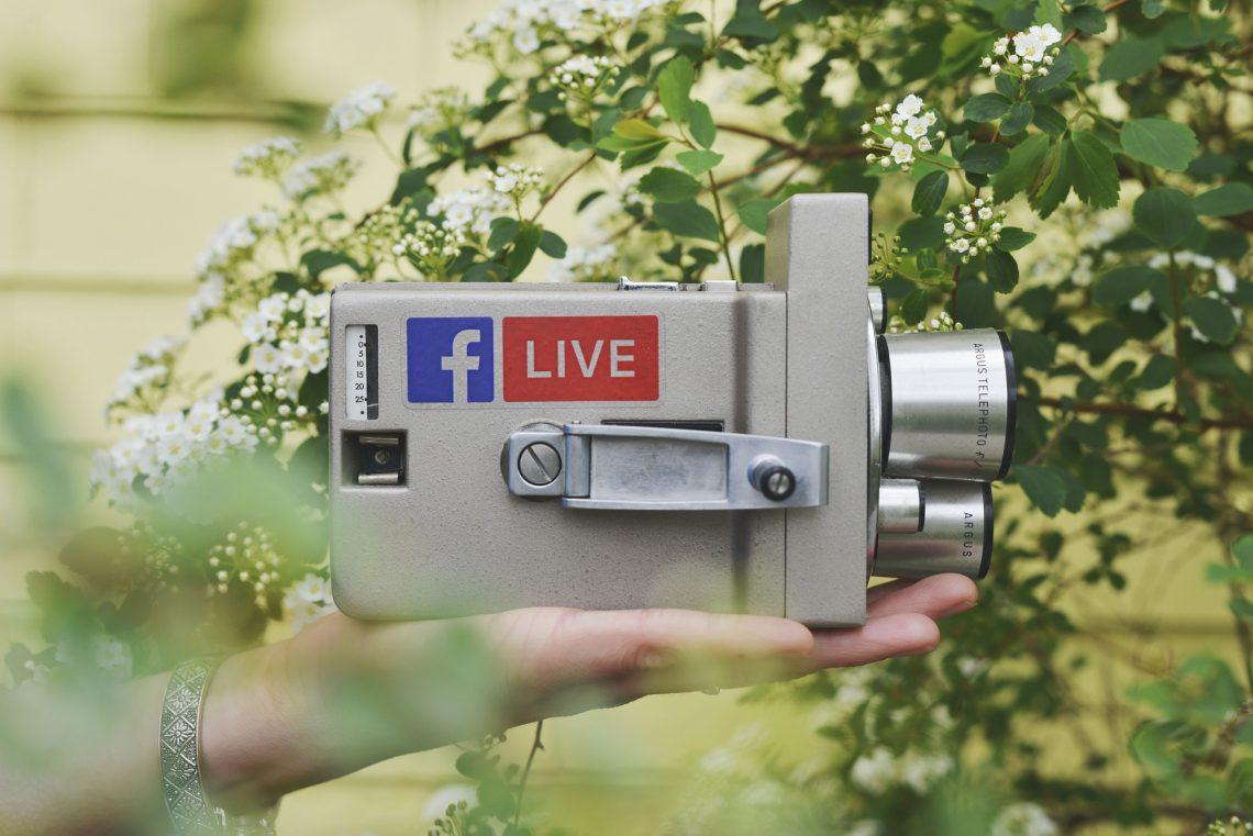 [:it]social media live[:]